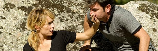 Paula Noval (Patricia Conde) y Agus (Arturo Valls) en 'buenAgente'