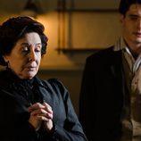 Ángela tiene que hacer frente a la pelea entre Belén y Catalina en 'Gran Hotel'