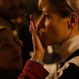 Marta Larralde durante la sesión de maquillaje en 'Gran Hotel'