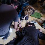 El equipo artístico de 'Gran Hotel' prepara la escena de la muerte