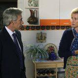 Mercedes le esconde a Antonio su visita al médico en 'Cuéntame cómo pasó'