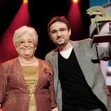 Jordi Évole posa con su galardón en los Premios Ondas 2011