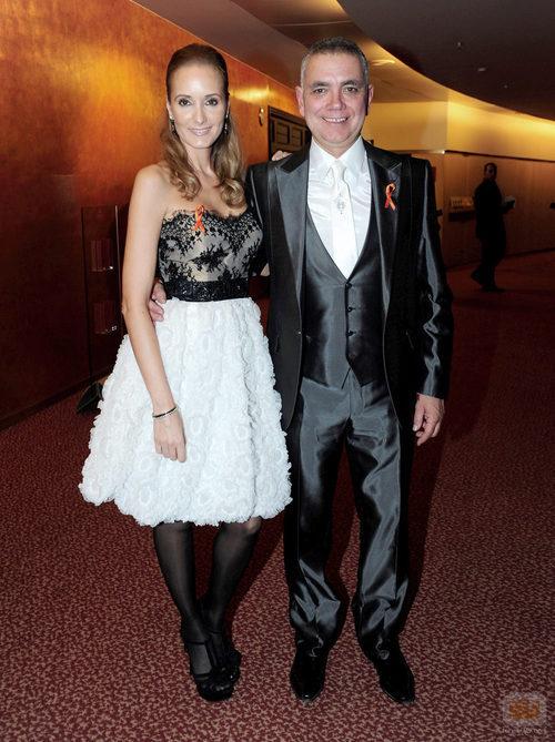 Sandra Ibarra y Juan Ramón Lucas posando en los Premios Ondas 2011
