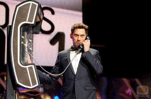 Paco León durante su actuación en los Premios Ondas 2011