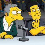 Moe y Simon Cowell en la temporada 21 de la serie
