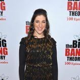 Mayim Bialik en la fiesta en 'The Big Bang Theory'