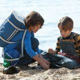 La pareja de niños en 'Marco' buscan a Ana