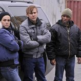 Lloyd, Shea y Erica a la espera