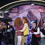 Nagore Robes y Sofía Cristo se besan en la final de 'Acorralados'