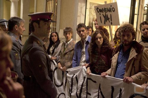 Huelga en la tv movie 'Rocío Durcal, volver a verte'