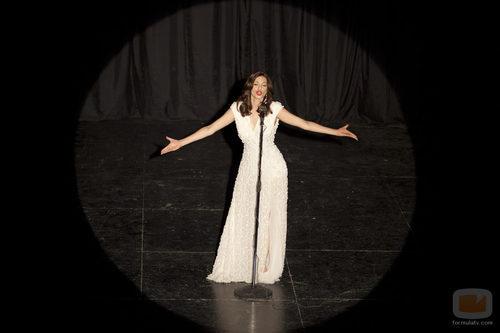 Actuación estelar de la cantante en 'Rocío Durcal, volver a verte'