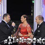 Jorge Javier y Pantoja cantan ante la mirada de Kiko Rivera