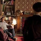 Watson y Holmes resolviendo un caso en 'Sherlock'