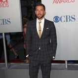 Zachary Levi en los People's Choice Awards 2012