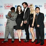 El reparto de '2 Broke Girls' en los People's Choice Awards 2012