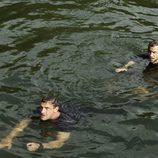 Thomas Kretchsmann y Joe Anderson en el Amazonas en 'The River'