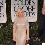 Amy Poehler en la alfombra roja de los Globos de Oro 2012