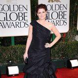 Debra Messing en los Globos de Oro 2012