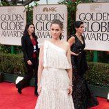 Amanda Peet en los Globos de Oro 2012