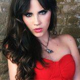 Lucia Ramos, espectacular de rojo en Overlay Magazine