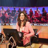 Nuria Roca sentada en la silla de 'El millonario'