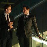 Mike Ross (Patrick J. Adams) y Harvey Specter (Gabriel Macht)