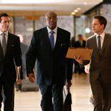 Gabriel Macht y Patrick J. Adams en 'Suits: La clave del éxito'