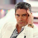 El colaborador de televisión Boris Izaguirre posa para 'Channel Nº4'