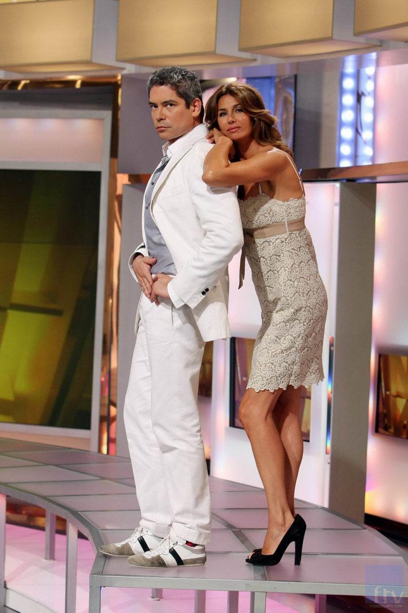 Boris Izaguirre y Ana García Siñeriz posando en 'Channel Nº4'
