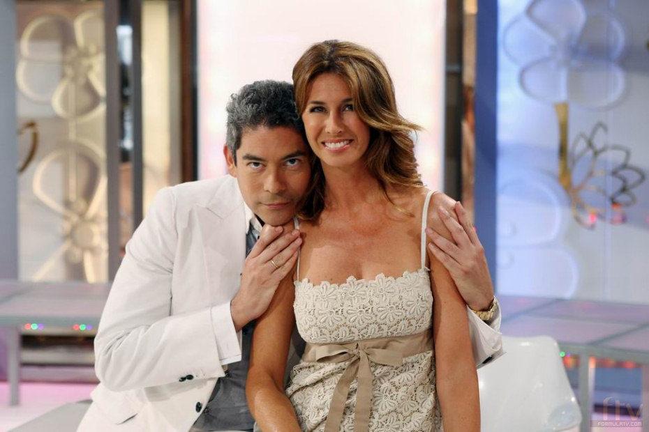 Boris Izaguirre abraza a Ana García Siñeriz en 'Channel Nº4'