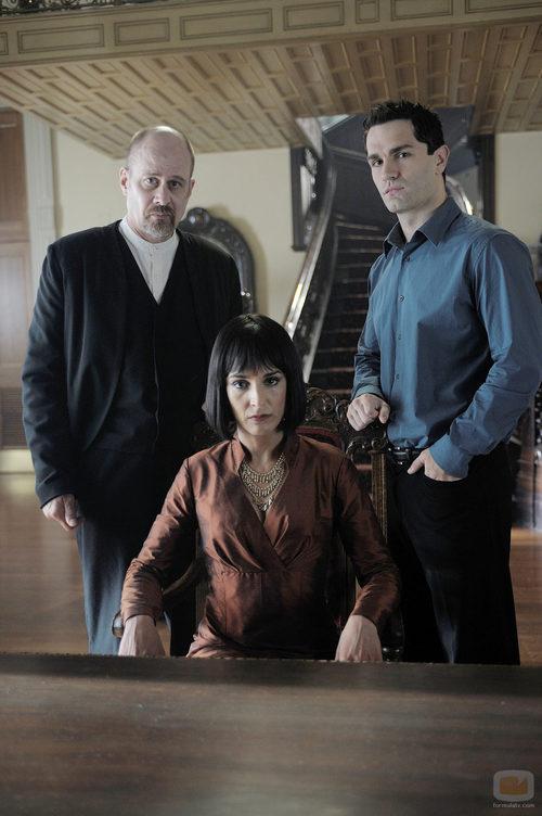 Terry Kinney, Deena Aziz y Sam Witwer