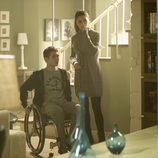 Olivia (Olivia Molina) y su hijo Tomás (Carlos Cuevas) en 'Luna, el misterio de Calenda'