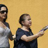 Isabel Pantoja (Eva Marciel ) y su madre Doña Ana (Fanny de Castro)