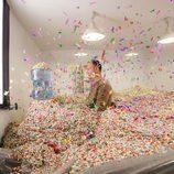 Pedro García Aguado rodeado de confeti