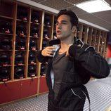 David Bustamante se prepara para conducir un Kart