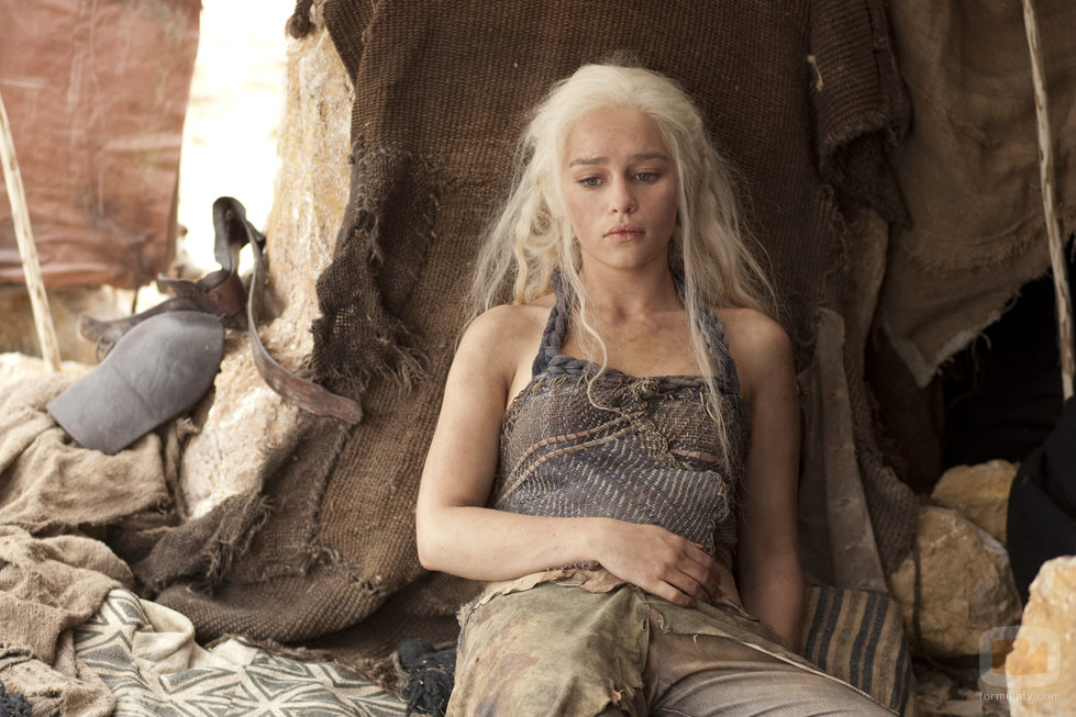 Daenerys Targaryen (Emilia Clarke) en la segunda temporada de 'Juego de tronos'