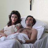 Carmina y Paquirri en la cama del hospital en 'Carmina'