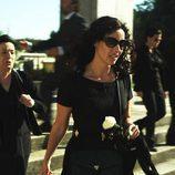 Carmina (Patricia Vico) en el entierro de su madre