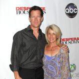 James Denton y su mujer en la fiesta final de 'Mujeres desesperadas'