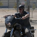 Ron Perlman en una escena de la cuarta temporada