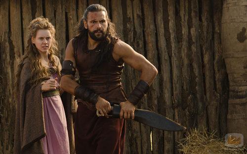 Manuela Vellés y Roberto Enríquez, a punto de desenvainar su espada en 'Hispania'