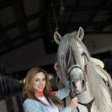 Marta Hazas con Capricho, el caballo de 'Bandolera'