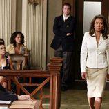 Renee Perry (Vanessa Williams) en el juicio de Bree en 'Mujeres Desesperadas'
