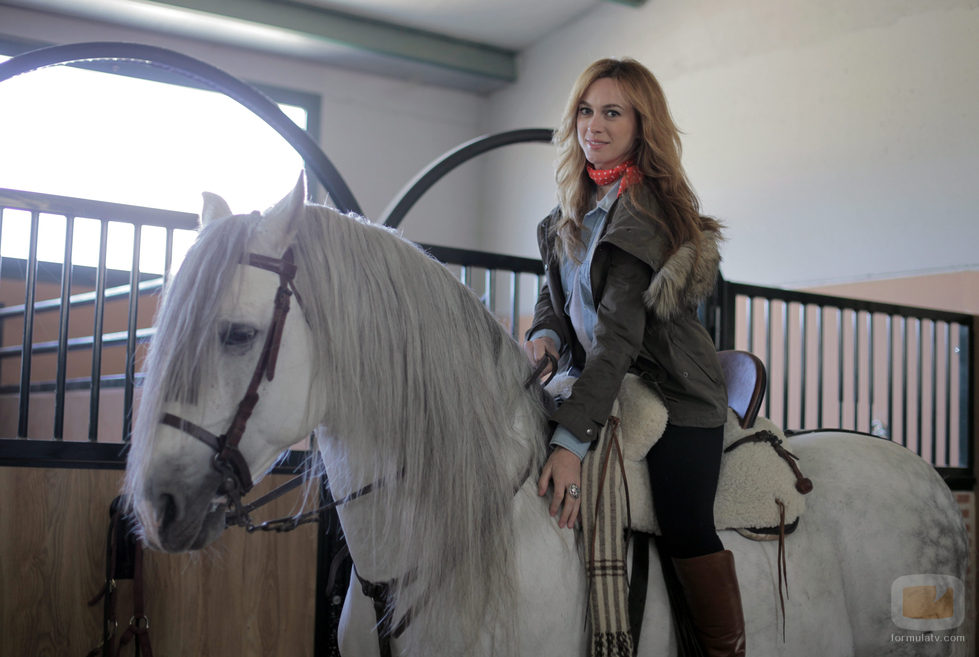 Marta Hazas, actriz de 'Bandolera' con Capricho