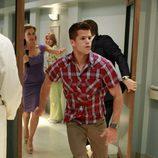 Porter Scavo corre en el hospital en el último capítulo de 'Mujeres Desesperadas'