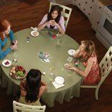 Reunión para jugar a las cartas de las protagonistas de 'Mujeres Desesperadas'