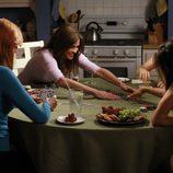Susan, Lynette, Gaby y Bree juegan a las cartas en el último capítulo de 'Mujeres Desesperadas'