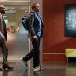 El Dr. House junto al Dr. Eric Foreman en el capítulo 8x21 de 'House'