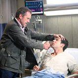 House en una escena del episodio 8x21 de la serie