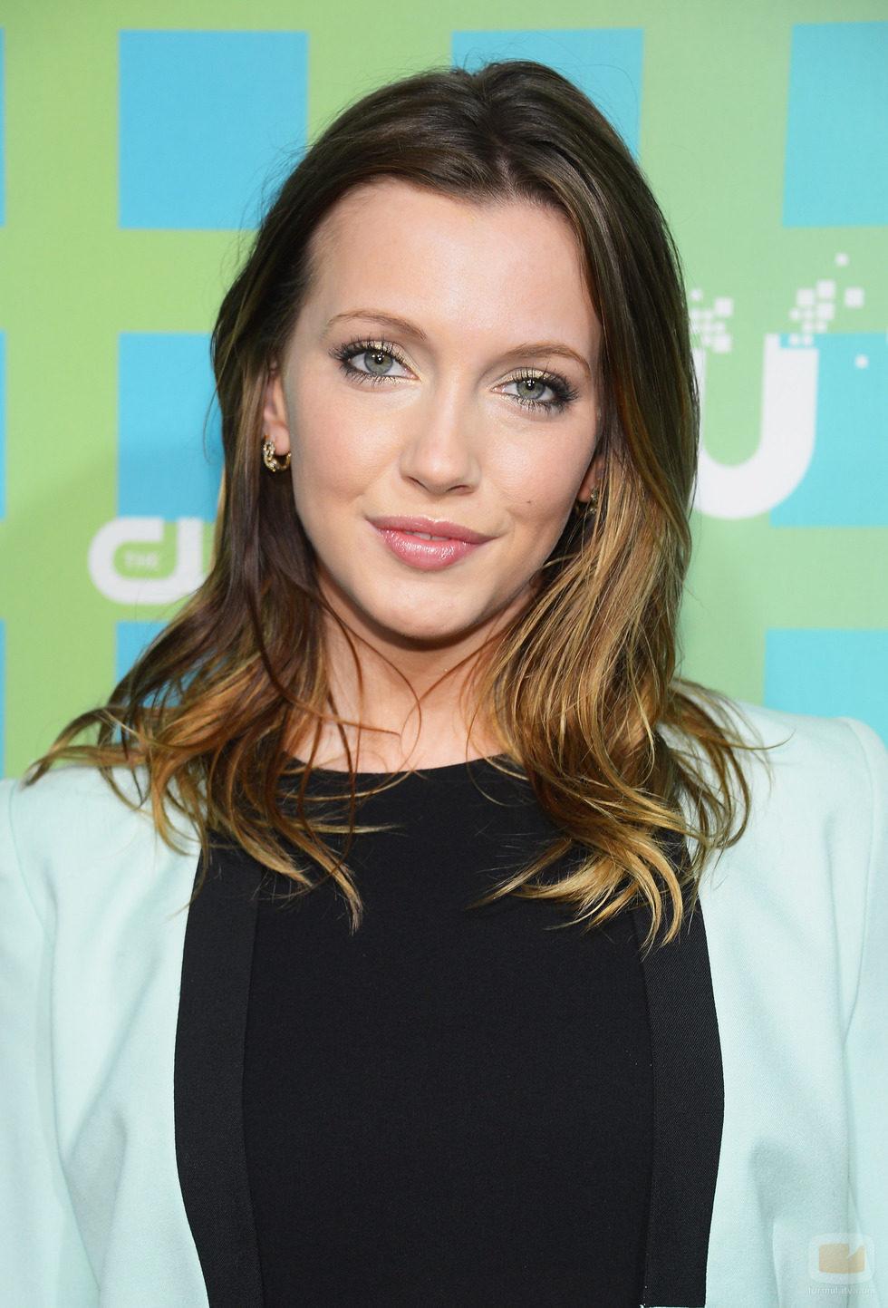 Katie Cassidy de 'Arrow' en los Upfronts 2012 de The CW